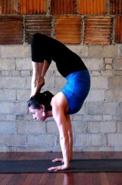 scorpion handstand